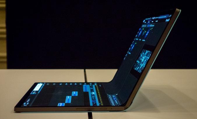 لپ تاپ مفهومی اینتل با نمایشگر تاشو